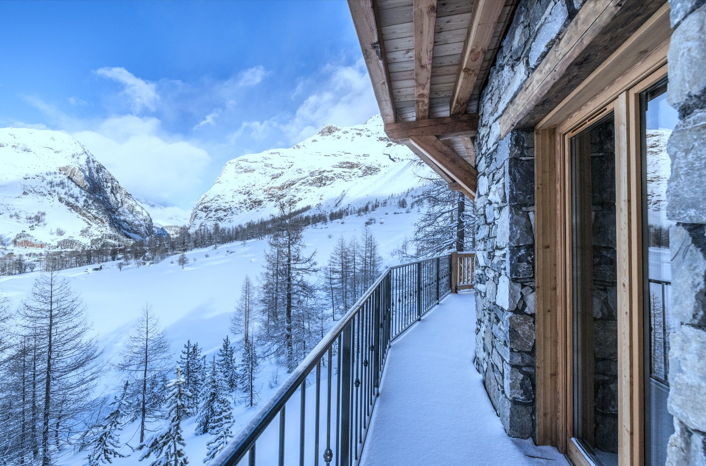 chalet-ovalala-val-disere-balcon-bedrooms