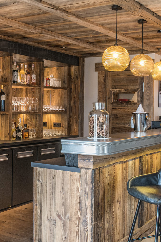 chalet-ovalala-val-disere-living-room-bar-side