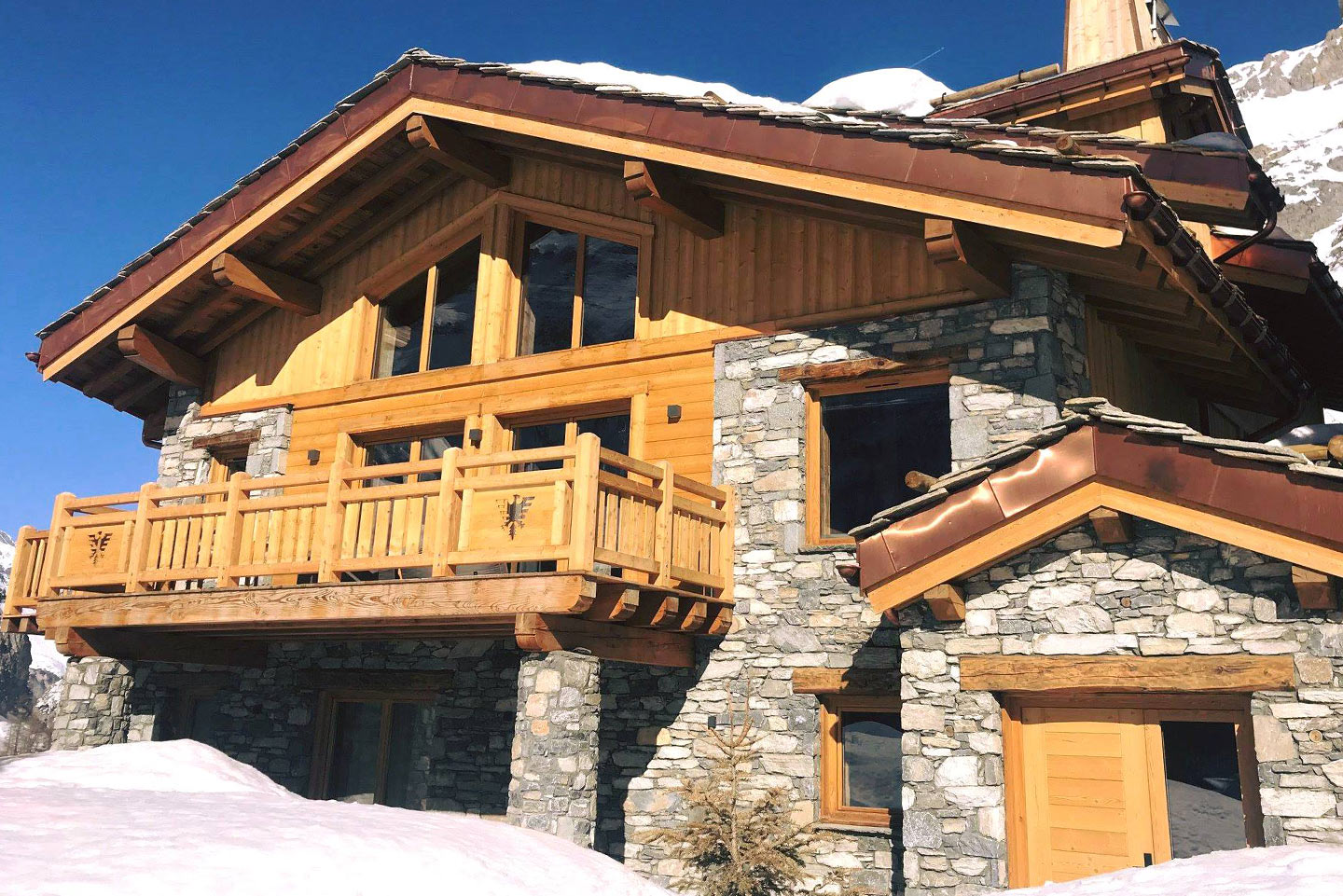 chalet-ovalala-val-disere-outside-view-front