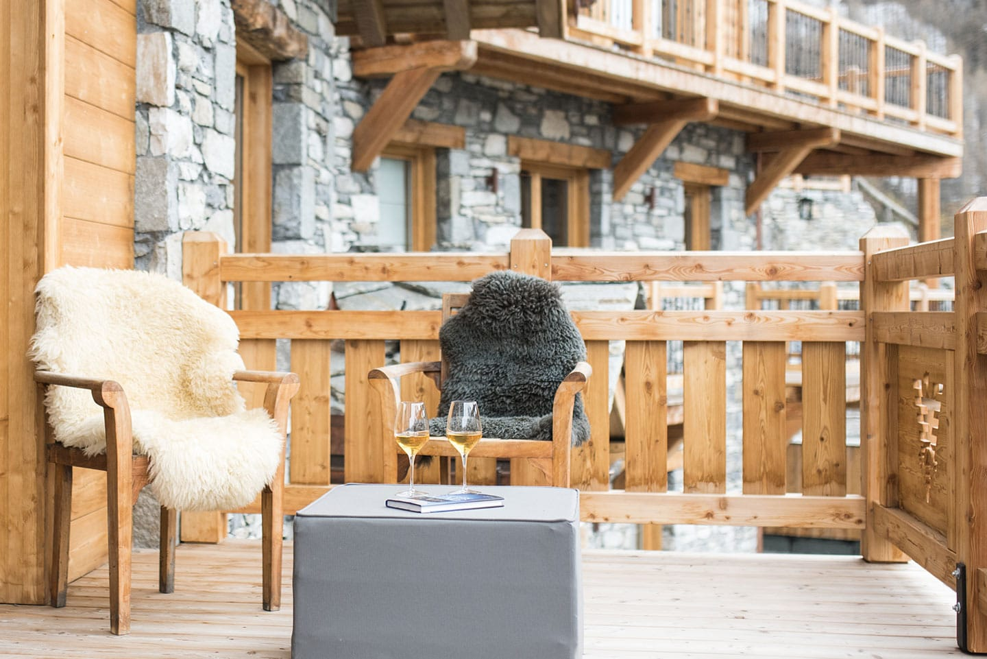 chalet-ovalala-val-disere-terrasse-lounge
