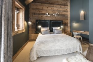 chalet-ovalala-val-isere-luxe-bedroom2front