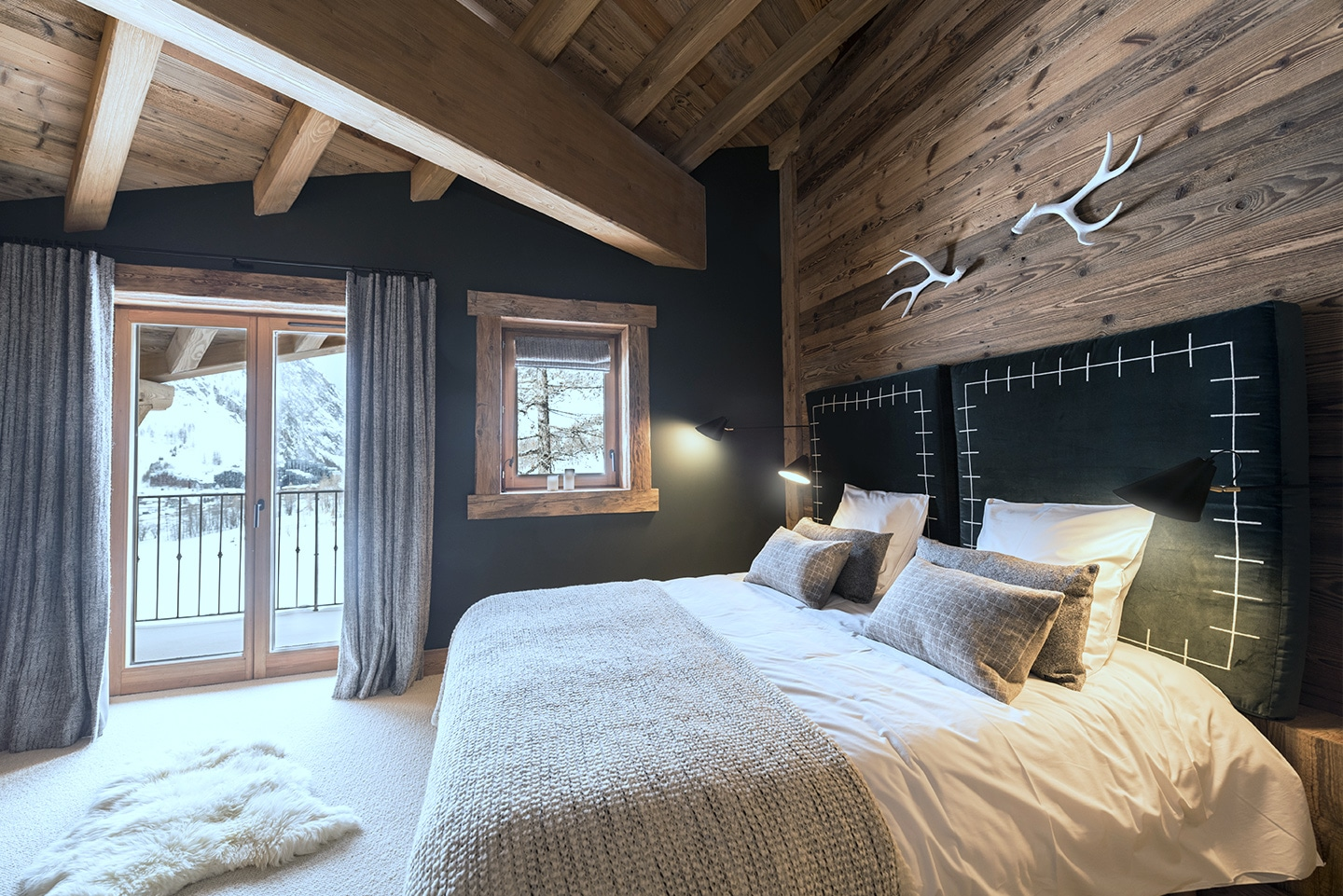 chalet-ovalala.-val-isere-luxe-bedroom2